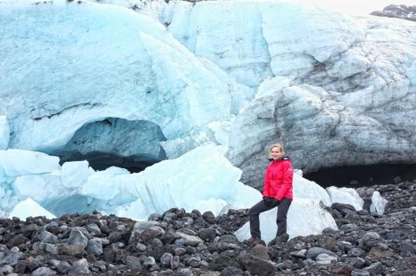 Hike to Gígjökull glacial lagoon
