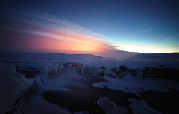 Goðafoss in twilight (www.500px.com/benzin, Ben Simon Rehn)