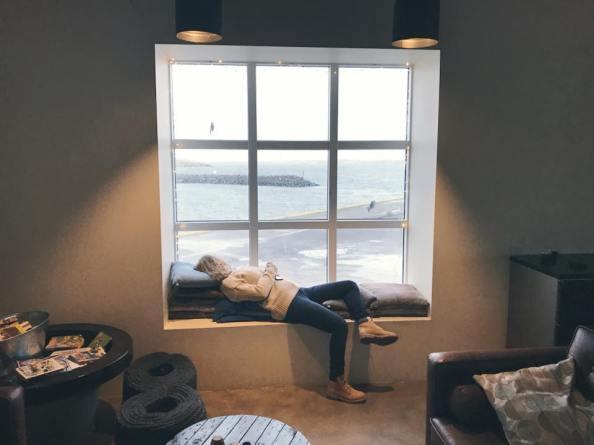 Relaxing in Sjávarborg in Hvammstangi