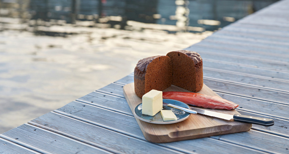 Geothermally Baked Icelandic Rye Bread