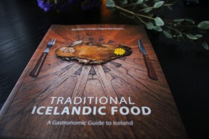 book Traditional Icelandic Food Gudrun Helga Sigurdardottir